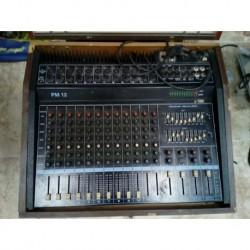 Mesa de mezclas 12 canales.