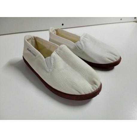 Zapatillas infantiles blancas