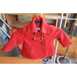 Abrigo rojo niña
