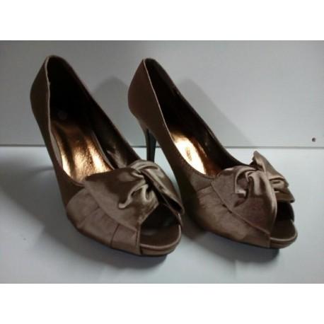 Zapatos tacón bronce