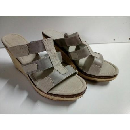 Sandalia cuña gris