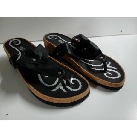 Sandalias Easy Step Negras.